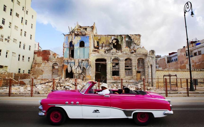 "CUBA ""ON THEROAD"""